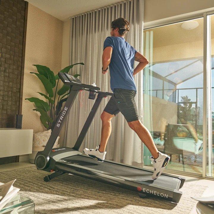 Echelon Stride Treadmill - Man Running On An Incline